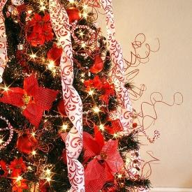 How to Paint Your Christmas Tree a Different Color Tutorial