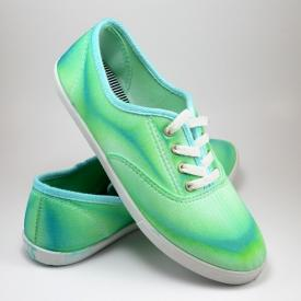 Neat Dyed Sneakers - Turning Around a Craft FAIL!