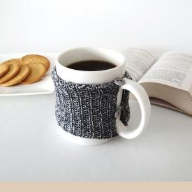 How to make a cosy knitted mug
