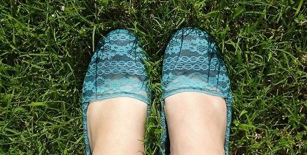 Shoesday Tuesday - Fun & Lacy Flats Revamp!