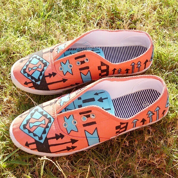 002-Tribal-Tennies-Dream-A-Little-Bigger