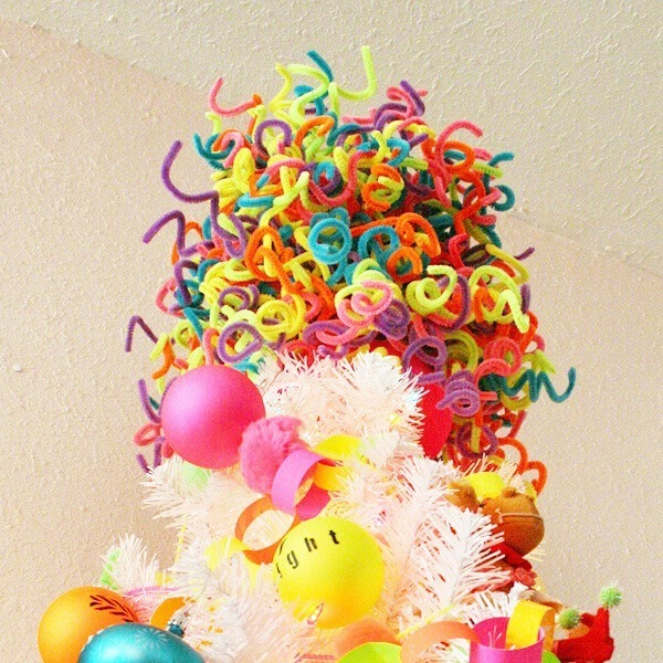 fun pipe cleaner tree topper DIY - Dream a Little Bigger