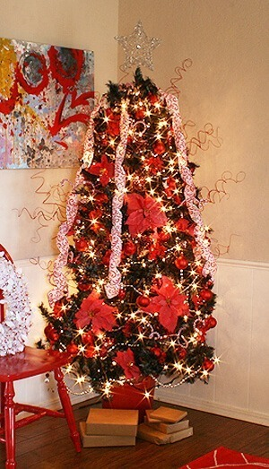 How to Paint Your Christmas Tree a Different Color