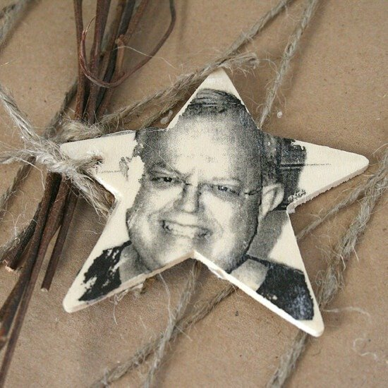 Great little name tags with the pic of the recipient. Can put tags on the tree as ornaments when gift is opened!