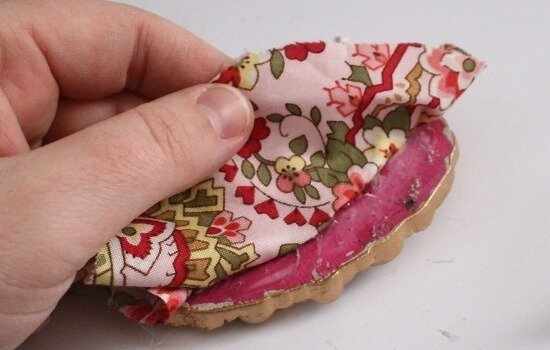 Make a pretty framed pin cushion with tutorial at Dream a Little Bigger