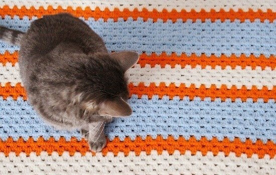 Crocheting Granny Stitch : Granny Crochet Stitch in a Straight Line - Dream a Little Bigger
