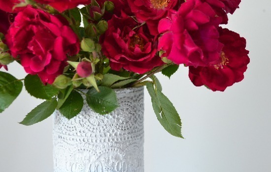 Mod Podge Lace Vases Tutorial