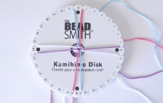 Learn the basic 8 strand Kumihimo braid