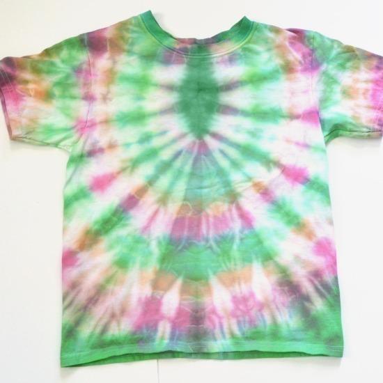 Tie Dye Patterns Great for Kids at www.dreamalittlebigger.com