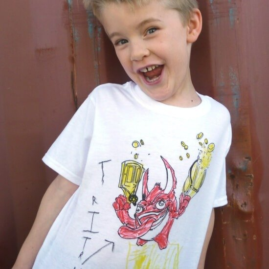 Kid's Tee Shirts from Coloring Pages Tutorial :: www.dreamalittlebigger.com