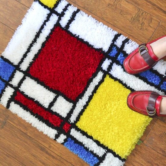 Make a latch hook Mondrian inspired rug