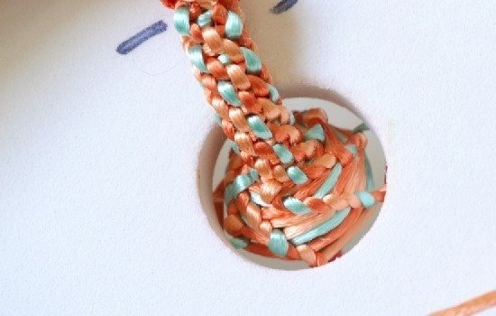 Kumihimo Tutorial Over Cords and Big Beads :: www.dreamalittlebigger.com