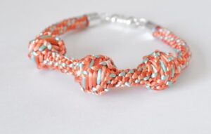 Kumihimo Tutorial Over Cords & Big Beads