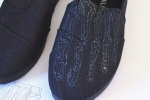 Painted Skeleton Feet Shoes Tutorial - at Dream a Little Bigger!