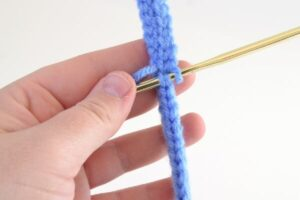 Know how to chain and how to do the slip stitch? This pattern is a must learn!
