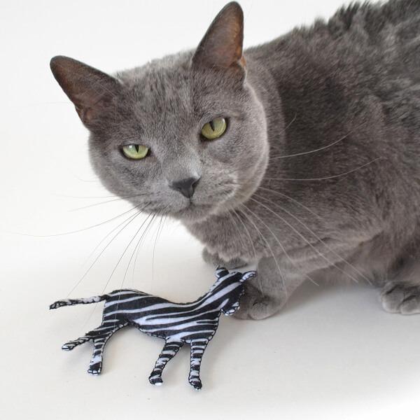 005-safari-catnip-toys-dreamalittlebigger