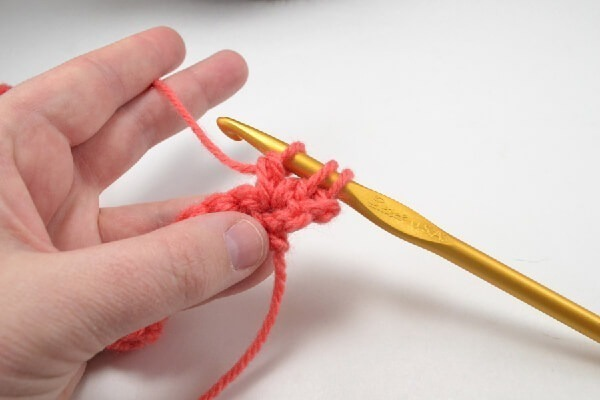 The puff or bobble crochet stitch is as simple as single and double crochet. This stitch that will provide amazing texture to your hooked bits!