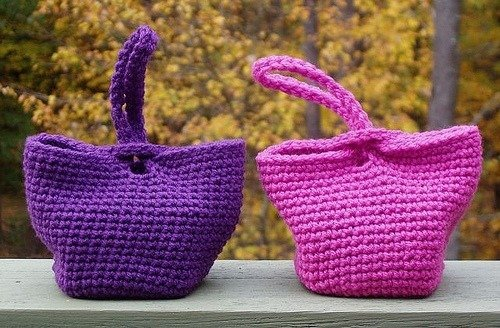 Check out 15 amazing and totally FREE crochet bag patterns... from ...