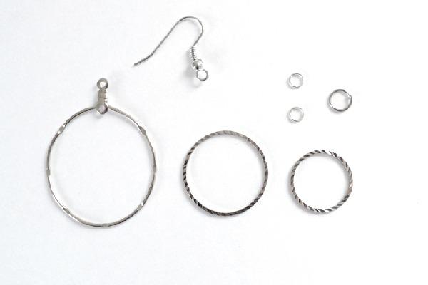 001-jump-ring-swing-earrings-dreamalittlebigger