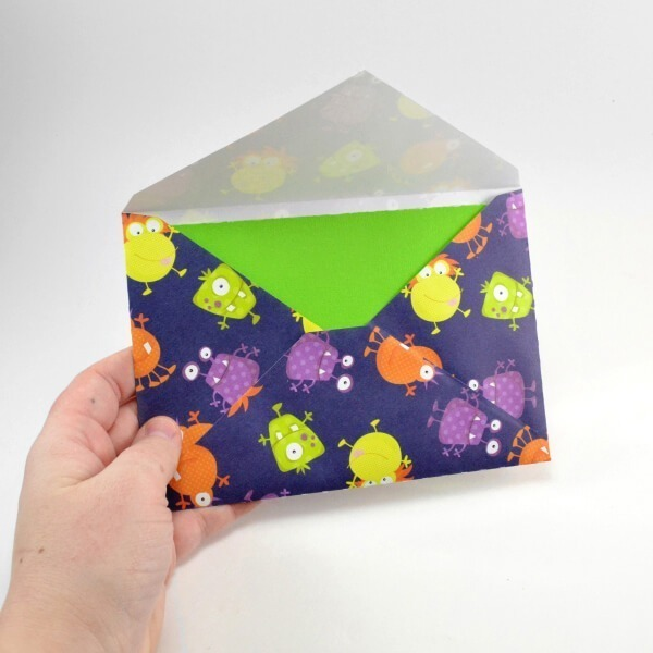 Download FREE Silhouette cut files to make greeting cards with a cut in gift card slot and perfectly fitting envelopes. Folds are perforated!