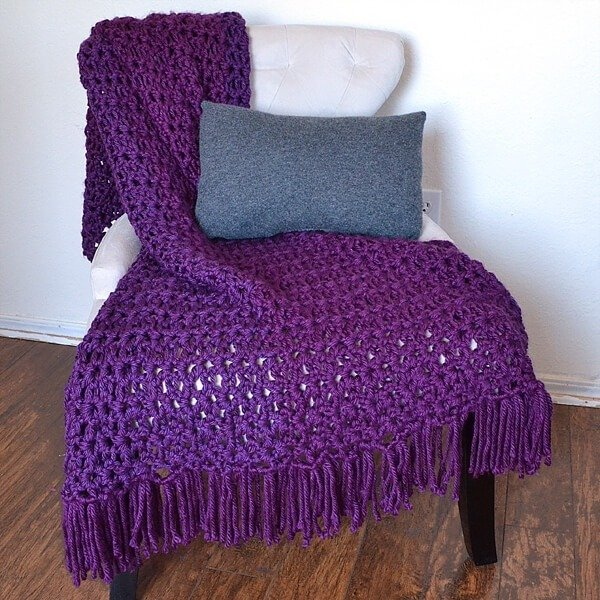 Make a gorgeous afghan with only the double crochet stitch in only 6 hours. The 6 hour afghan!