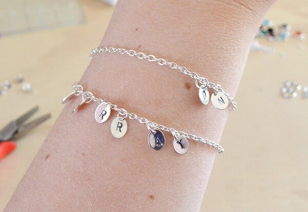Make a chic and simple stamped identity bracelet. Great for new jewelry stampers!
