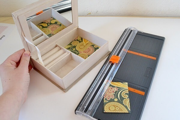012-little-women-jewelry-box-dreamalittlebigger