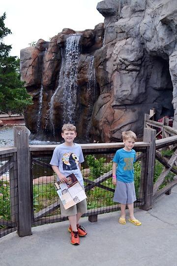 boys-turnerfalls-zoo