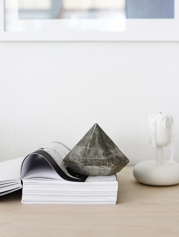 concrete-diamond-paper-weight