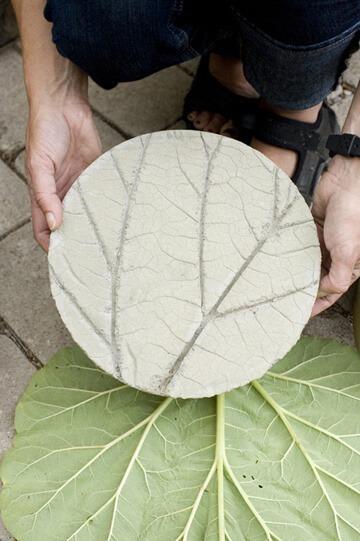 concrete-leaf-stepping-stones