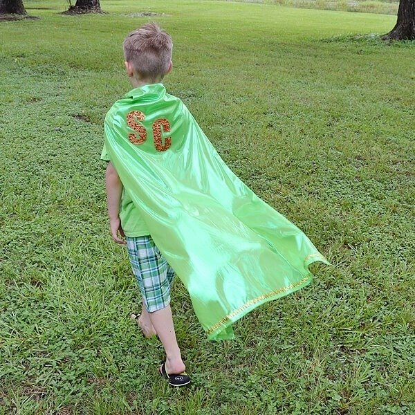 You don't have to sew to make these awesome no sew superhero capes! Kids love helping develop their character and costume, too!