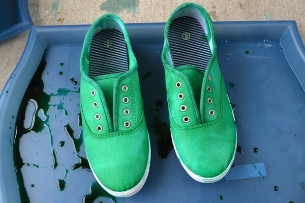 f0073c105118 Neat Dyed Sneakers - Turning Around a Craft FAIL! - Dream a Little ...