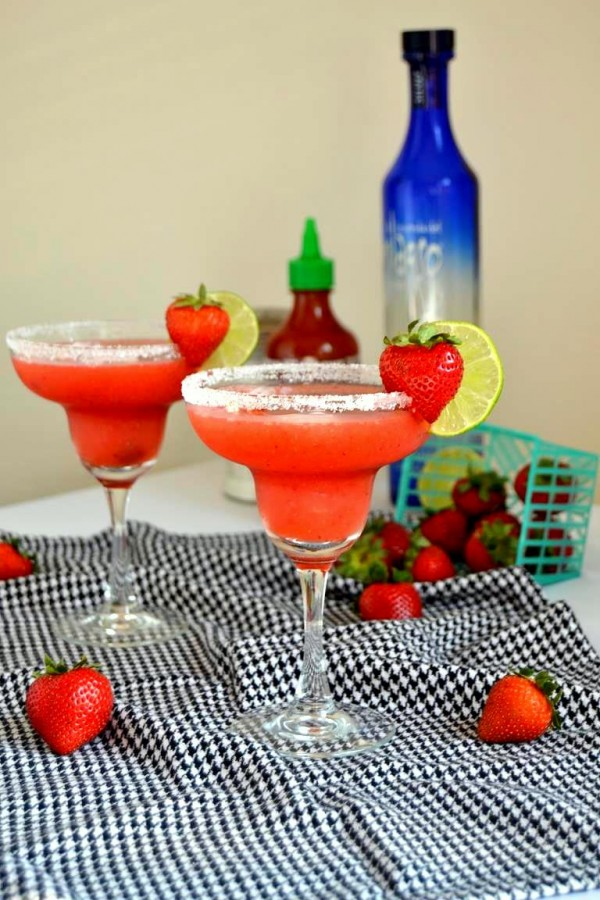 Sriracha and Strawberry? Get out! Have to try this fab looking margarita!