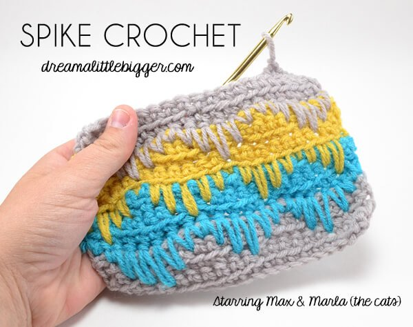 Isn't this spike crochet stitch amazing? All you really need to know is the single crochet so it's great for newbie hookers, too!