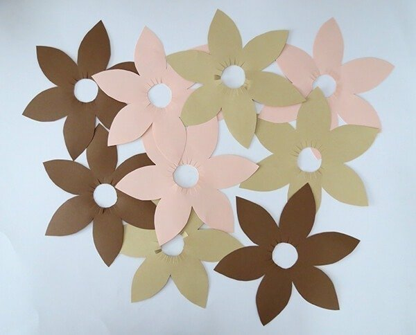 Make gorgeous flower votives from nothing but paper and scissors with Ama from Ohoh Blog!