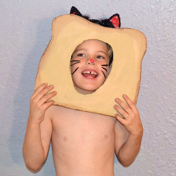 004-bread-face-costumes-dreamalittlebigger