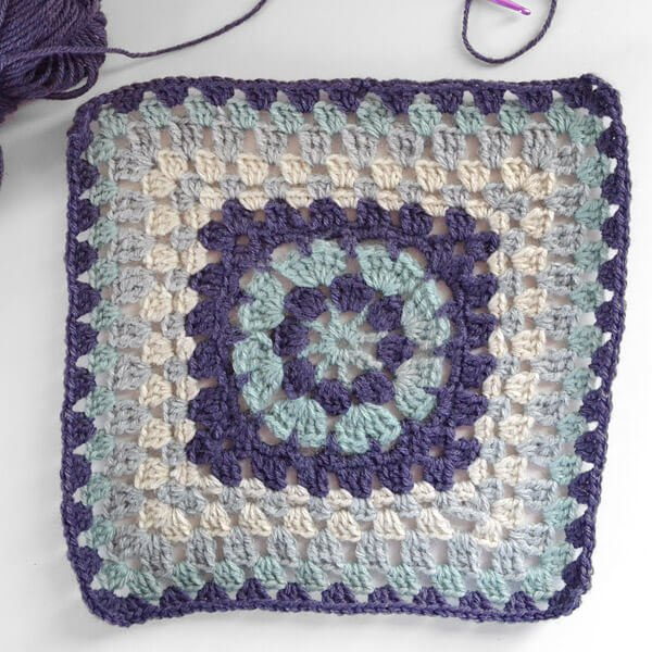 Join the crochet along with this pretty granny square pattern!