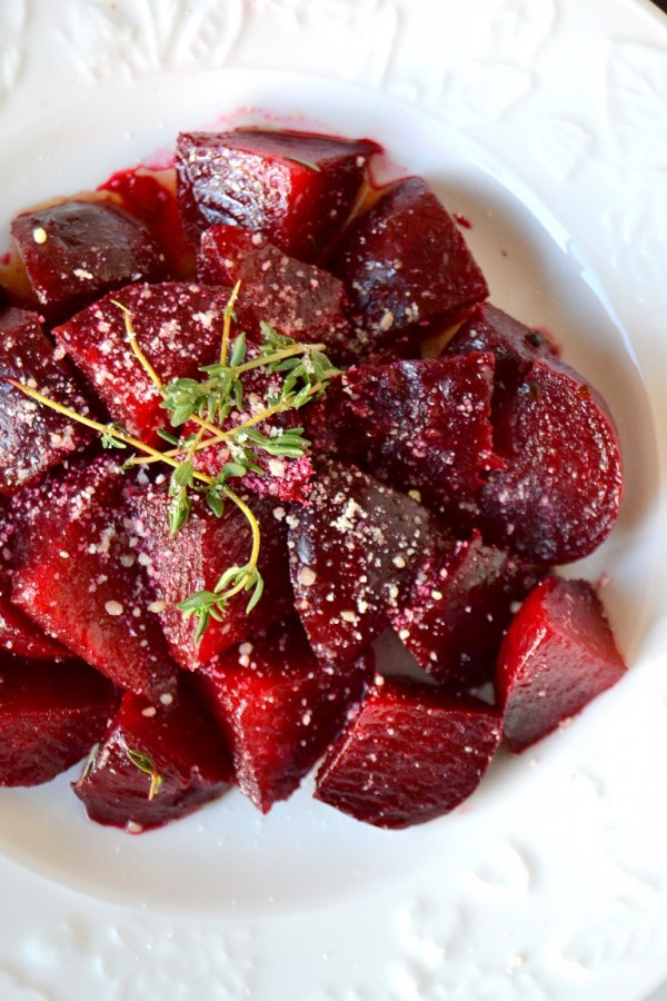 Hearty and delicious roasted beet salad with red wine vinaigrette with Tattooed Martha!