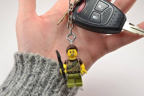 Make these quick and easy LEGO figure key chains. They make fab gifts!