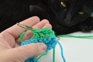 It may look complicated but the wave crochet stitch is super easy with a pictorial!