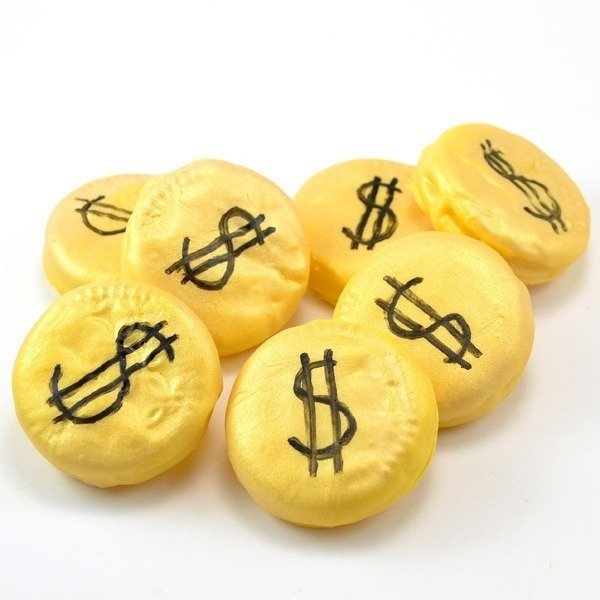 DIY gold coin cookies. Great for Saint Patrick's Day or anytime!