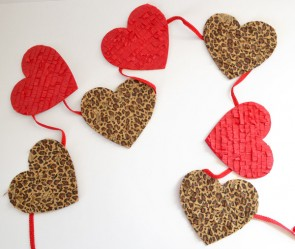 This fringe=y heart banner is so cute, easy to make and very cheap!