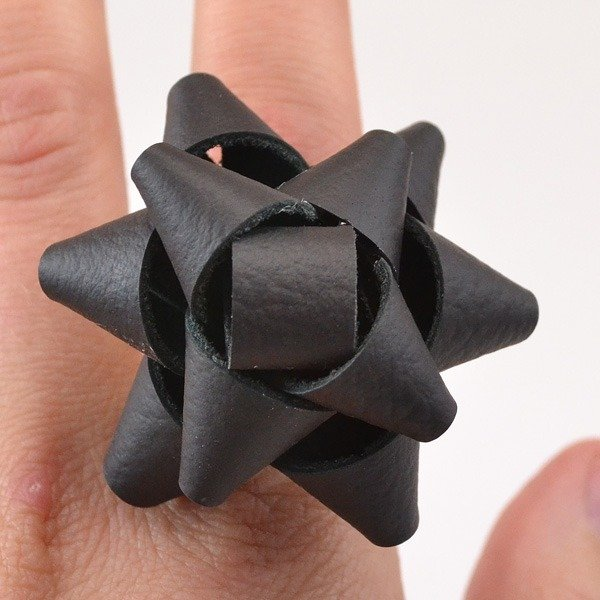 013-2-leather-gift-bow-ring-dreamalittlebigger