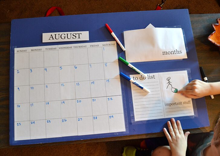 007-back-to-school-calendar-dreamalittlebigger