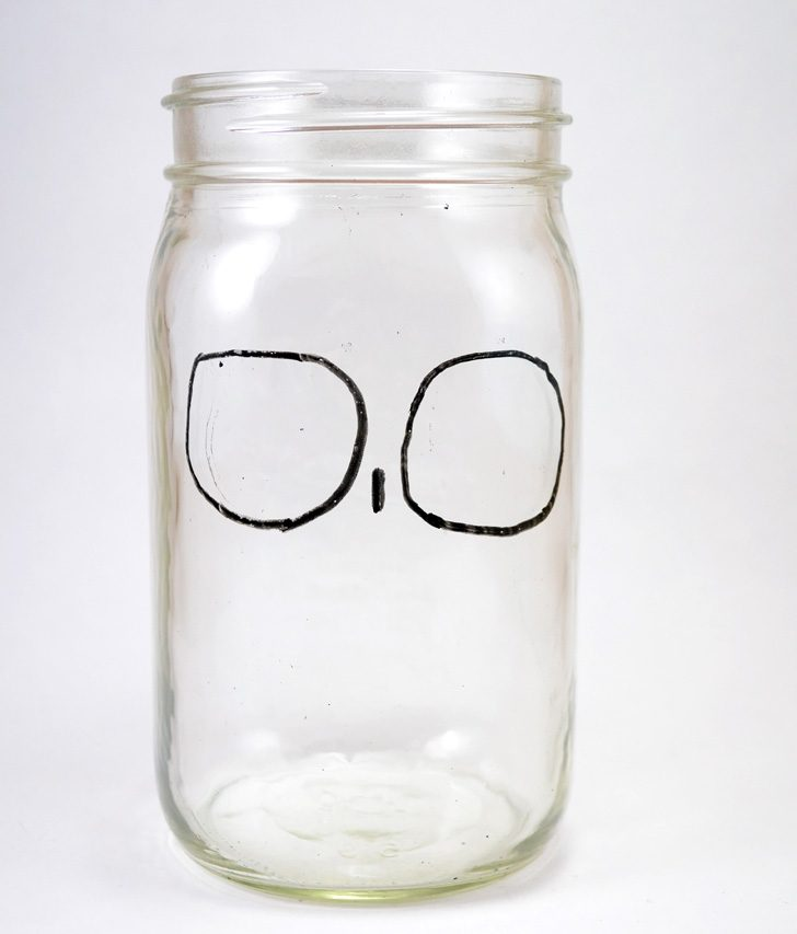 Goodness gracious these sugar skull mason jars are the cutest!