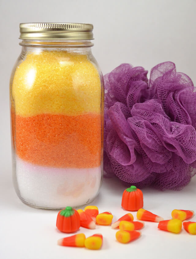 Super cute! Loving these super easy to make DIY candy corn bath salts!