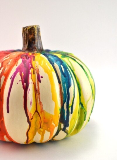 Who says Halloween has to be black and orange? These rainbow melted crayon pumpkins are so pretty. Perfect for the season!