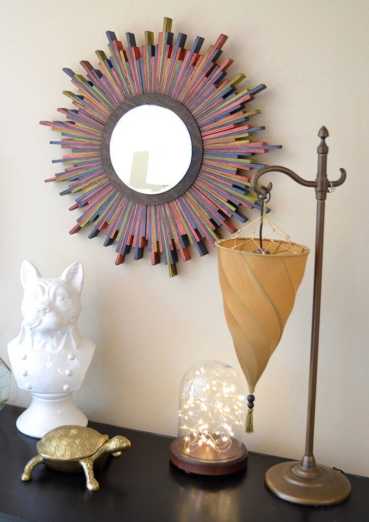Can you believe that these are wood shims? Make a starburst mirror that is totally swoon-worthy!