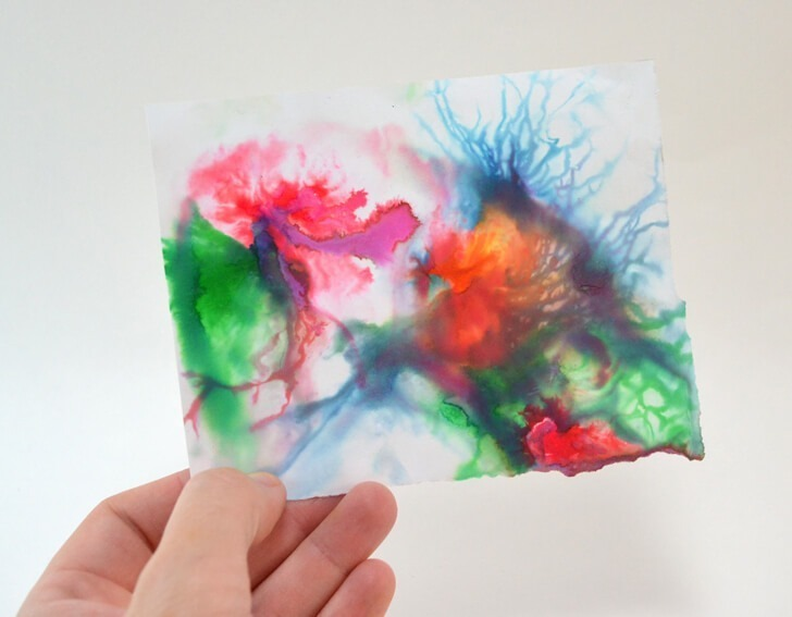 Grab the kids and check out this amazing kid craft. Looks like milk marbling is so cool!