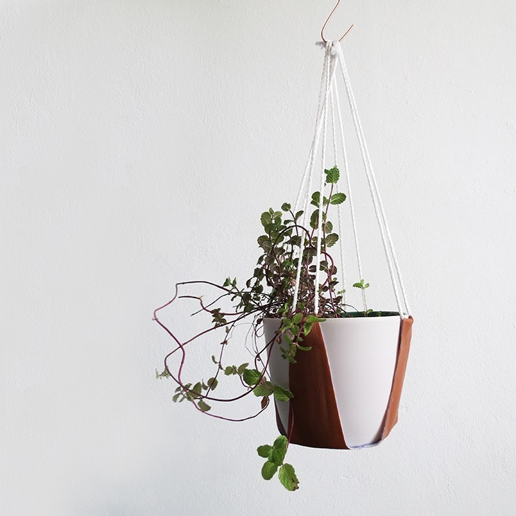 diy leather plant hanger 11